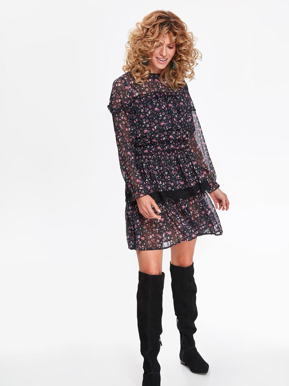 b5b87857fc40 Kvietkované šaty s dlhými rukávmi